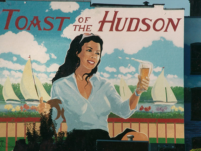 Toast of the Hudson – Close up